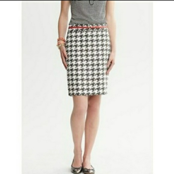 c4dca0fb4 Banana Republic Skirts | Houndstooth Skirt | Poshmark